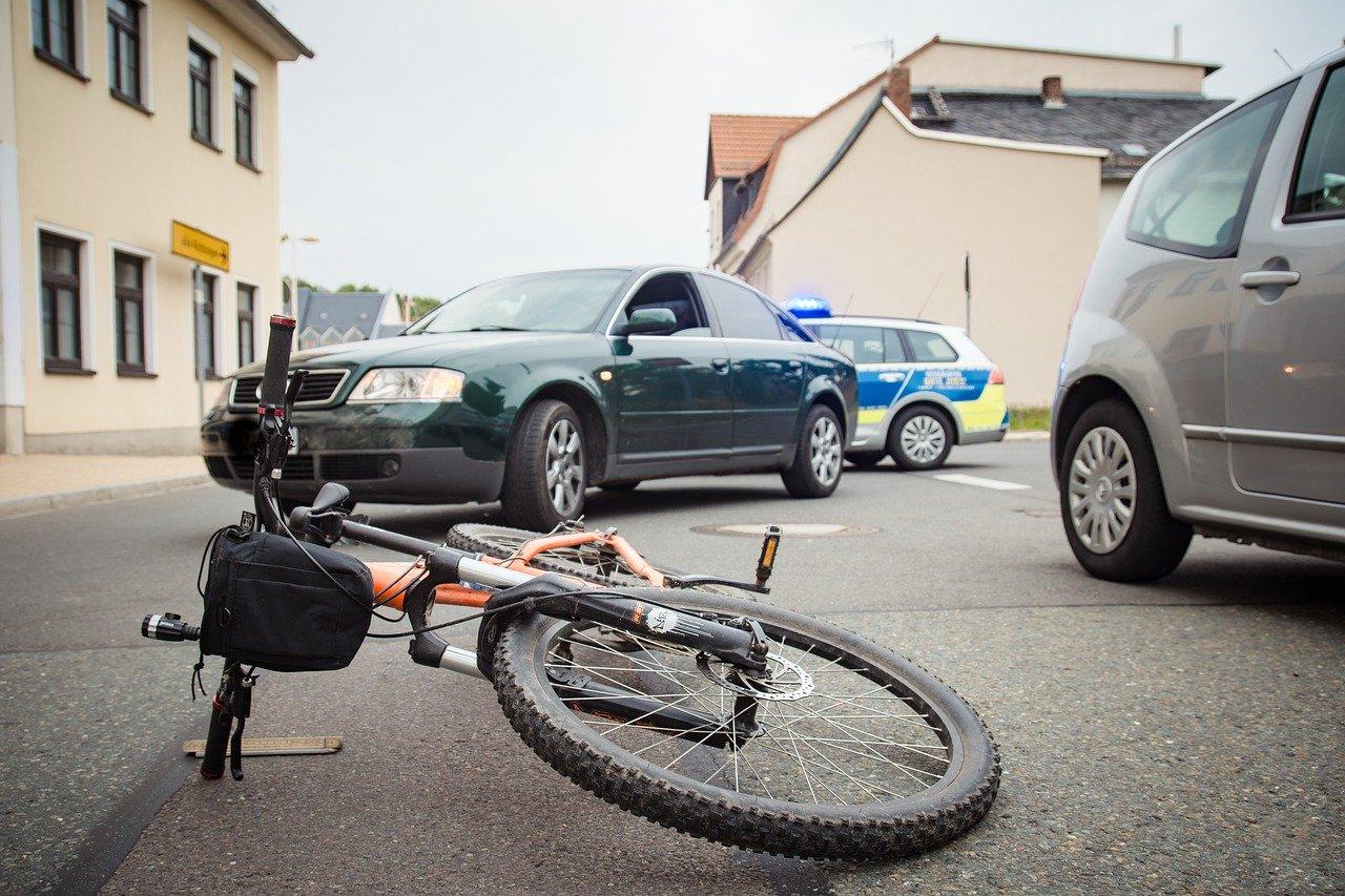 Welche Leistungen deckt eine Unfallversicherung für Beamte ab?