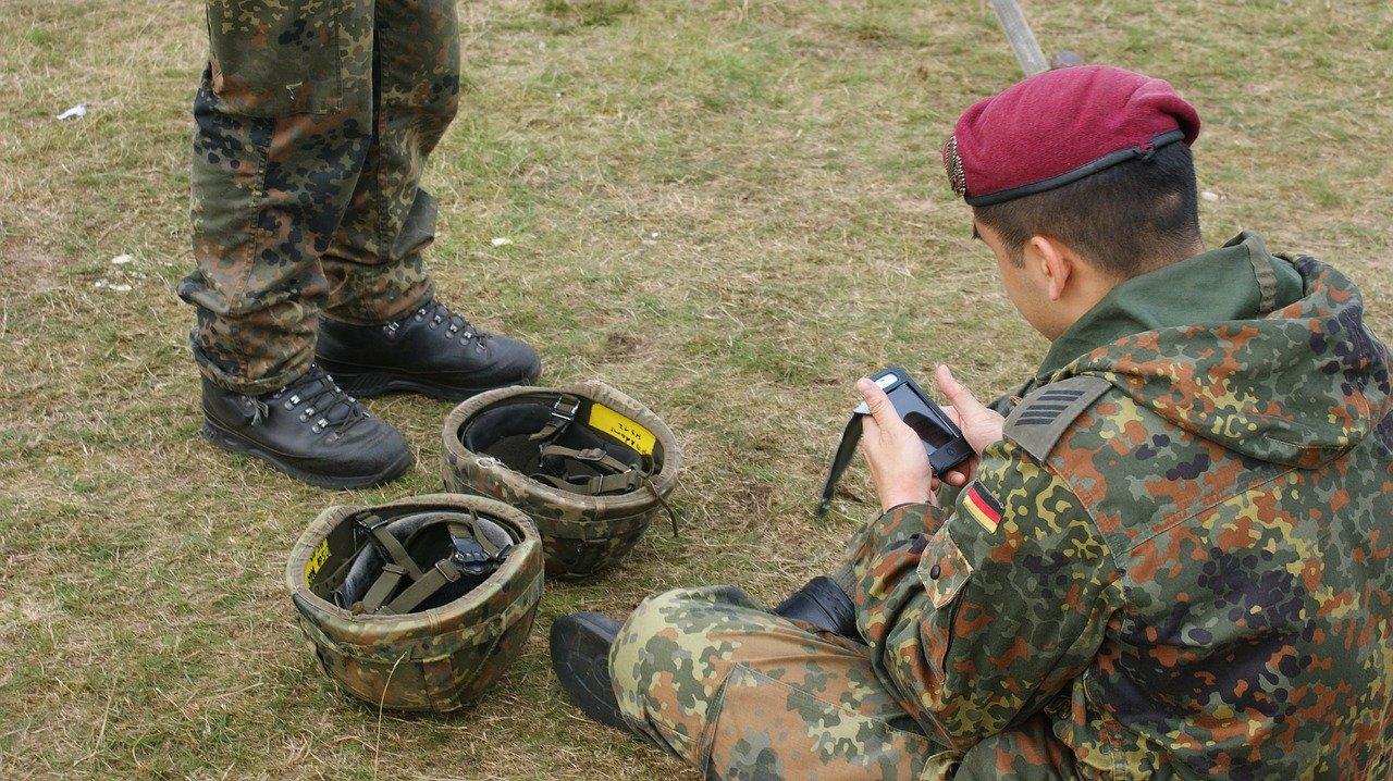 Soldaten benötigen oftmals besondere Versicherungen